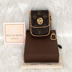 ❌ SOLD ❌ Louis Vuitton Monogram Tulum Pouch ❤️